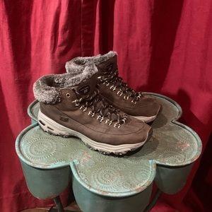 Sketchers Hiking Sneakers 8.5